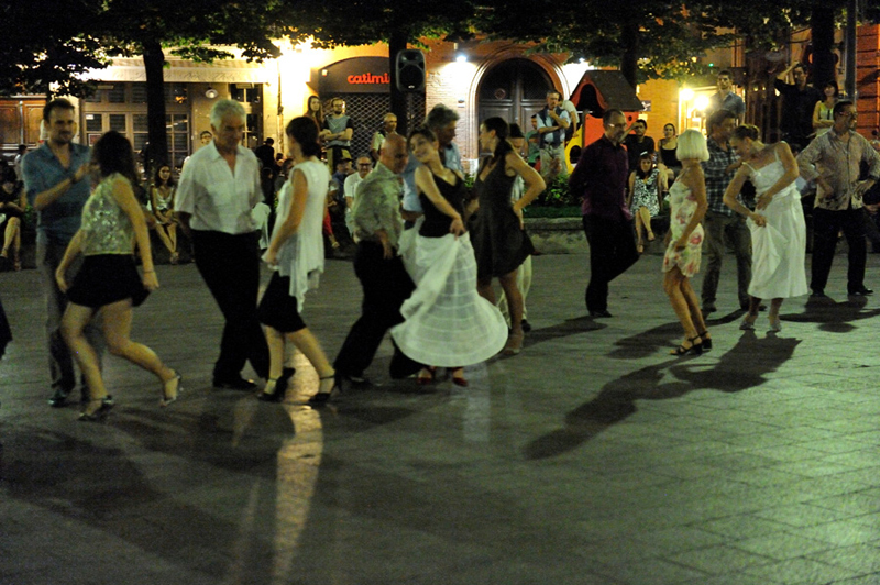 tango_245