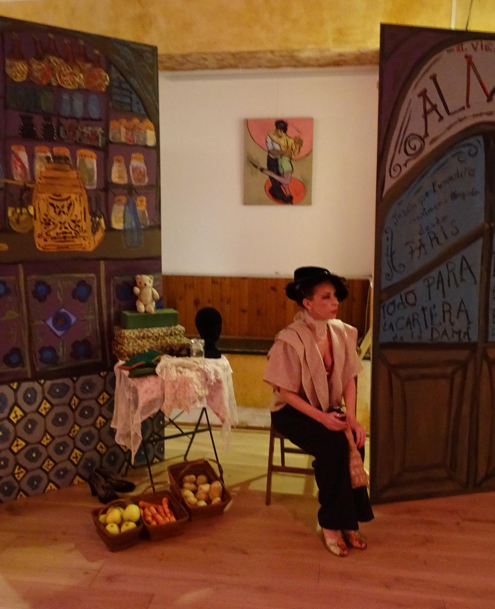 """Valéria Pasina et les décors de """"El Rincon del Zorzal"""""""