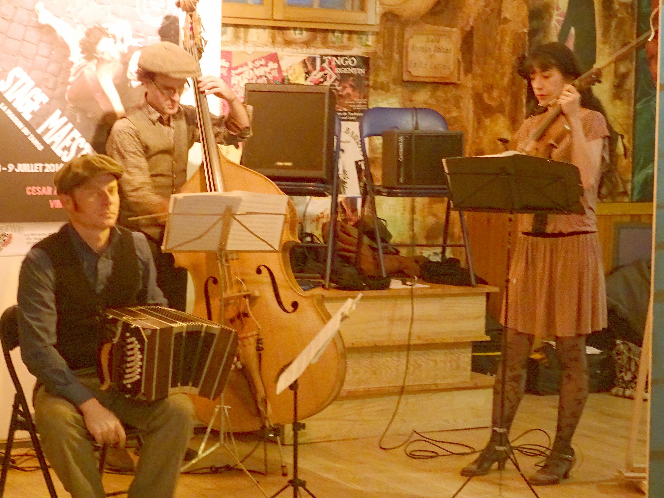 Musiciens du groupe Cuchicheo.